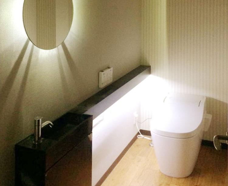 トイレ手洗いカウンター制作