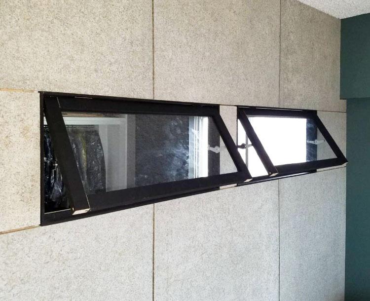 押し出し窓制作